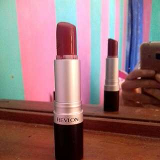 Lipstick revlon matte shade 007 (in the red)