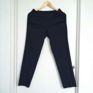 UNIQLO Navy Blue Cropped Pants- Size S