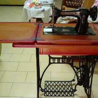 古典縫紉機/二十世紀