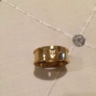 Fossil Gold 'Key Hole' Ring