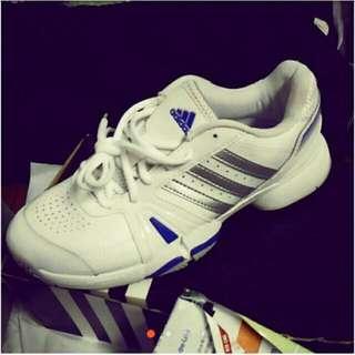 全新正品Adidas運動鞋