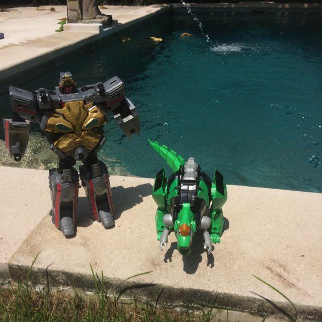 2 Items Robot