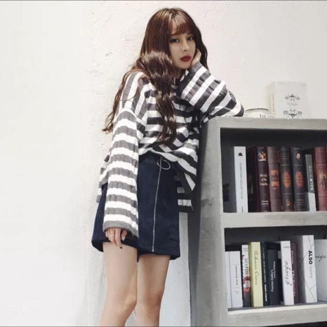 韓版針織條紋喇叭袖毛衣