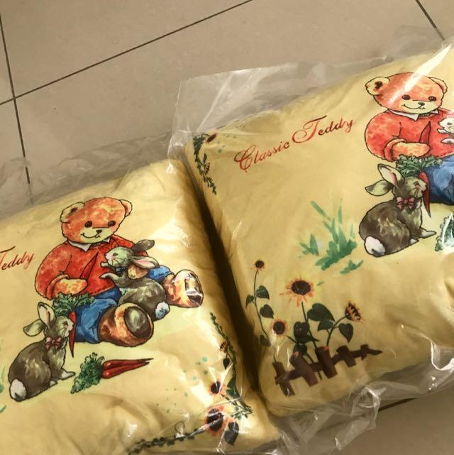 經典 泰迪熊 抱枕 溫暖 可愛 沙發配件