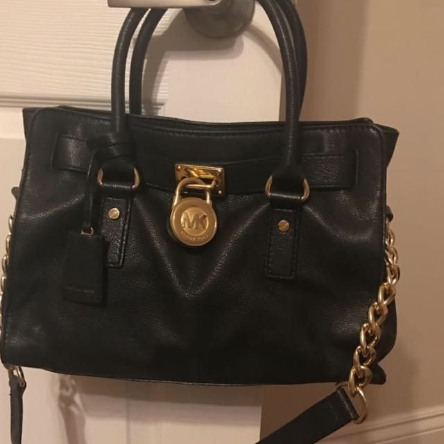 Authentic Michael Kors Bag, In Great Condition. Well Cared For No Stains On The Inside, Leather Has No Scratches.