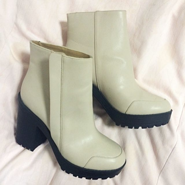 *REDUCED* BEIGE Leather Platform Boots