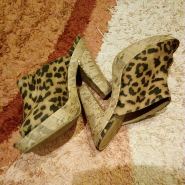 Bellagio Heels Wedges