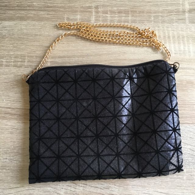 Black Diamond Chain Clutch
