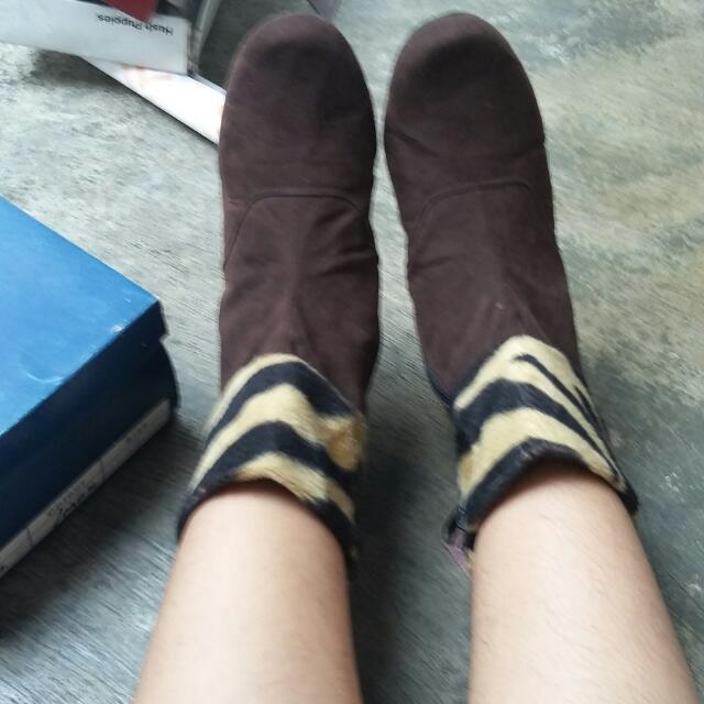 Boots Bulu Sneakers Keren