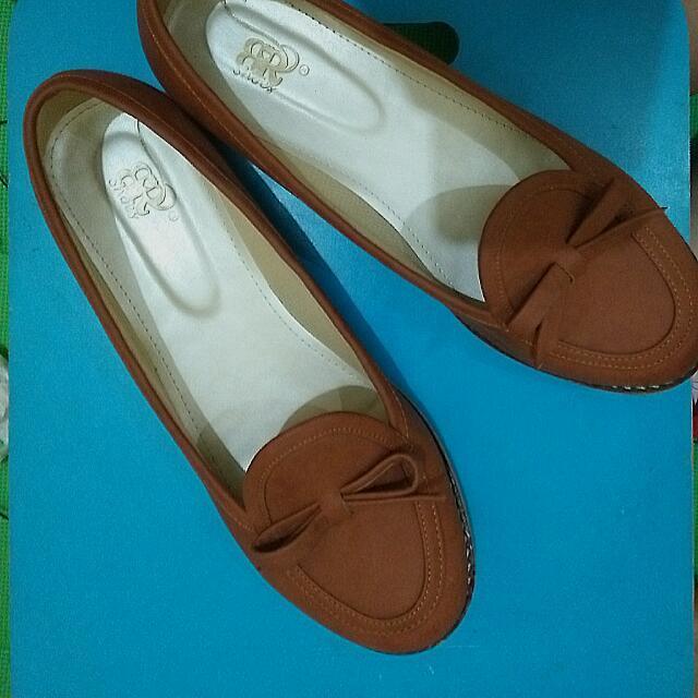 BR Flatshoes Ukuran 40