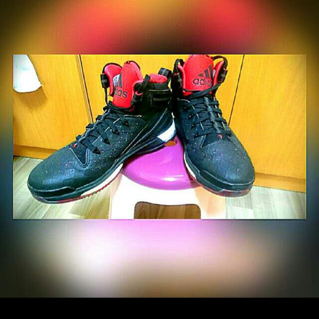 Derrick Rose boost 6 Size 9.