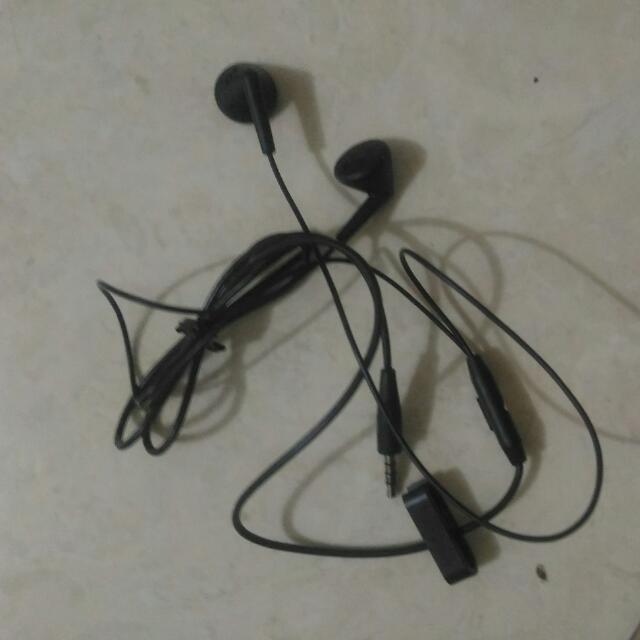 Headset (Earphone) Merk Blackberry