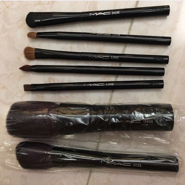 Mac Brush Make Up