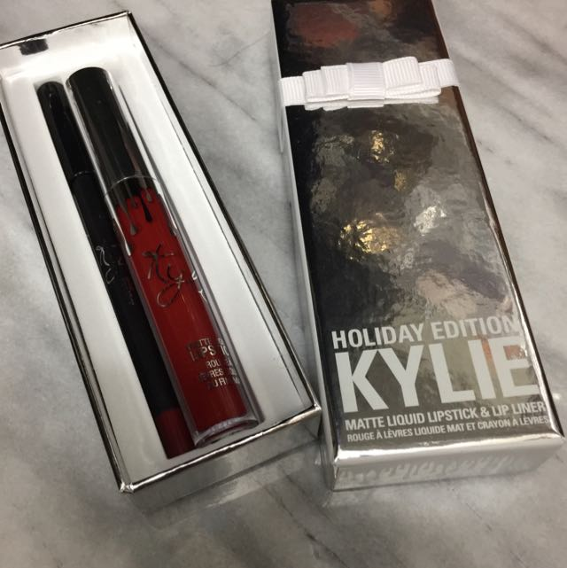 Merry KYLIE HOLIDAY EDITION