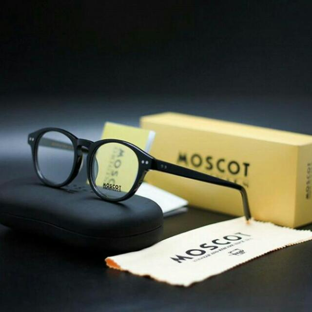 Moscot Glasess