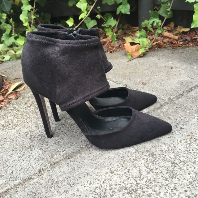 New Black High Heels 6 1/2
