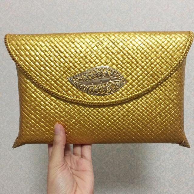 New Gold Clutch Anyam Medium