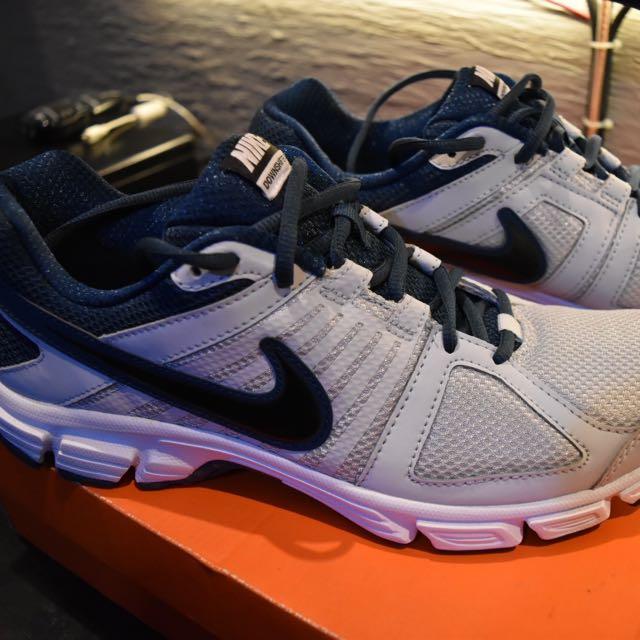 Nike Downshifter 5 Original Preloved Fesyen Pria Sepatu Di Carousell