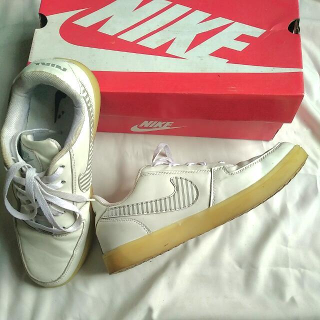 [Reprice] Nike LED Shoes