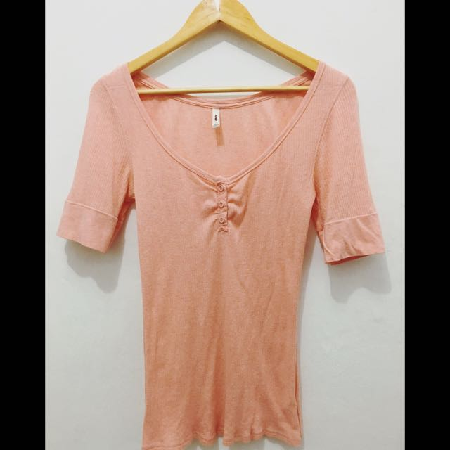 ON SALE! Old Navy Peach Ribbed Top