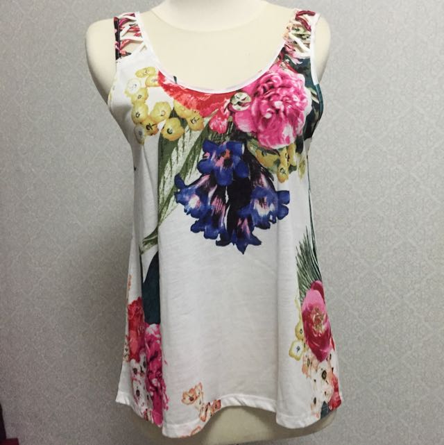 Prelovd H&M Top Floral