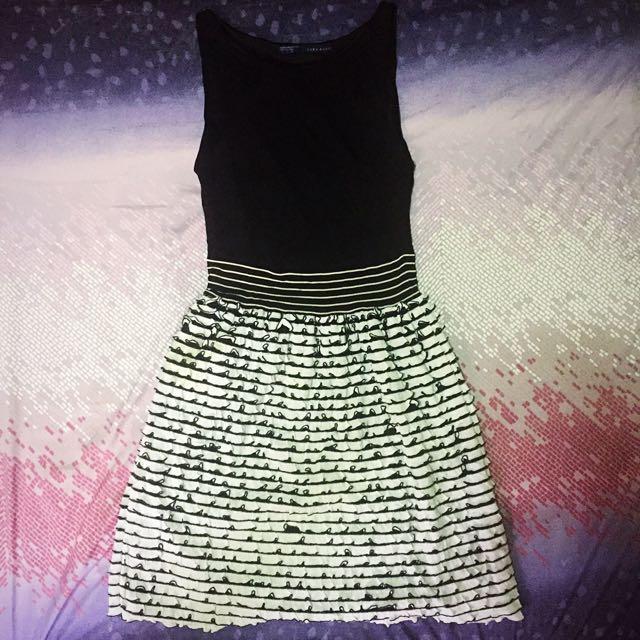 (Preloved) Zara Basic Ruffle Dress