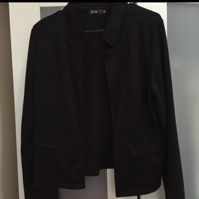 Super Soft And Comfy Black Blazer