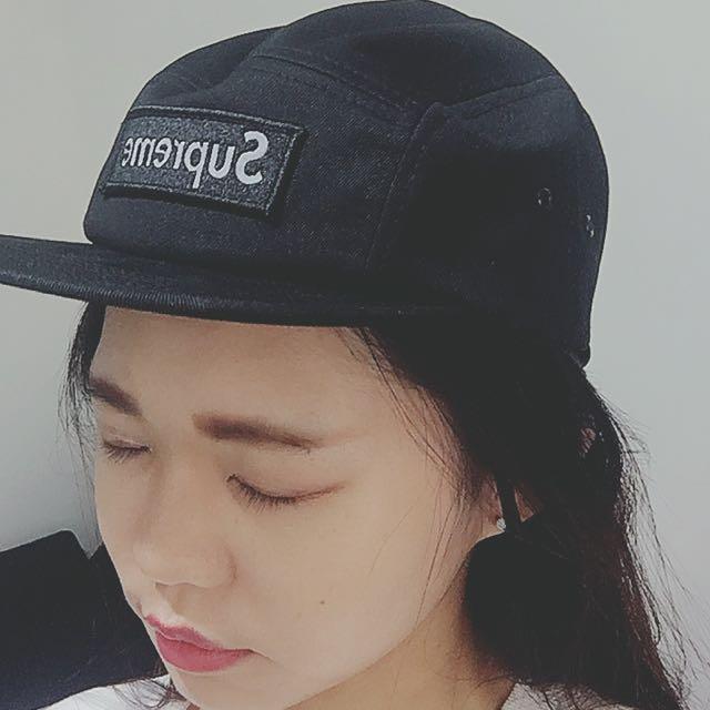 Supreme 5分割帽