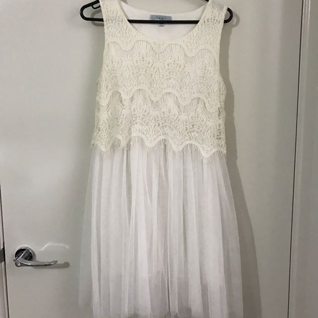 White Tulle Dress Sz8