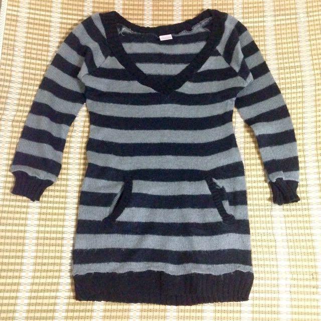 條紋長版v領顯瘦毛衣