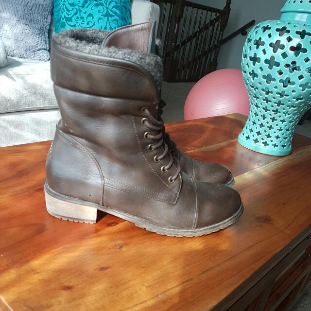 West 49 Harlow. Spring/fall Browm Boot.. Size 8