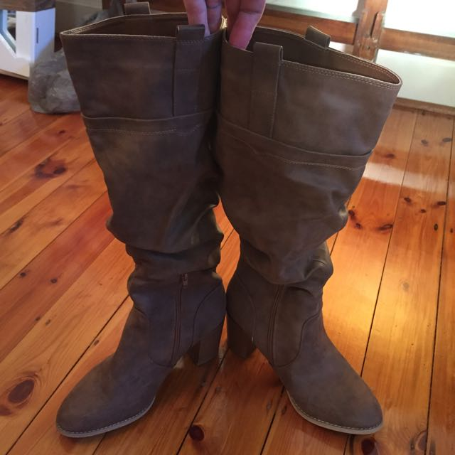 Women's Emerson Boots Size 10