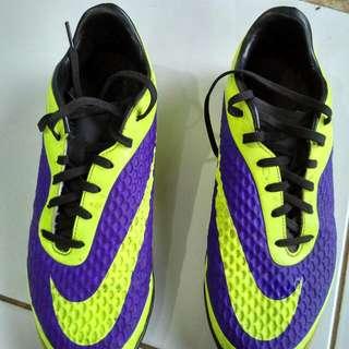 Prelove...Nike Hypervenom Futsal 85% Nego Alus..Beli D Sport Station Pas Baru Keluar..Dus Nya Ancur..JD Tampa Dua Y