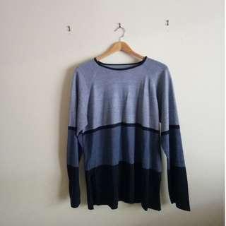 Oversize blue top