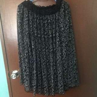 Garterized Black Floral Skirt