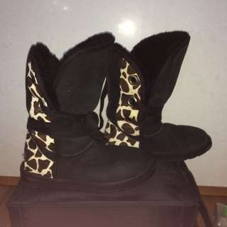 Size 7 Genuine Black Ugg Boots