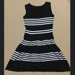 Preloved Black and White Stripe Dress
