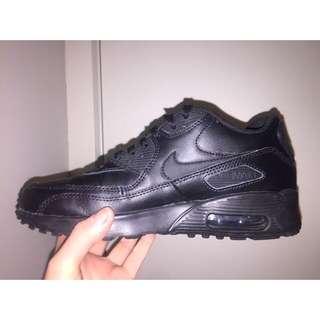Black Nike Air Max's