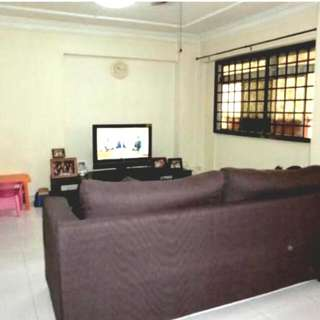 Call Mr Siew @ 91088836 Chao Chu Kang HDB 4A For Sale Blk 518  Low Floor 106sqm Facing North.