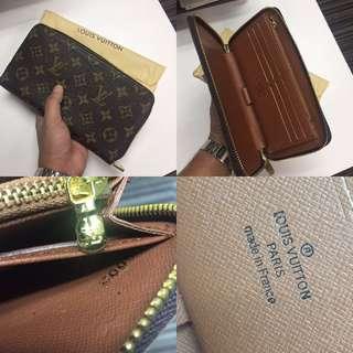 Louis Vuitton Zippy Organizer Wallet Monogram