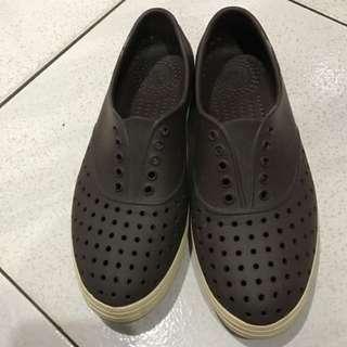 Native洞洞鞋