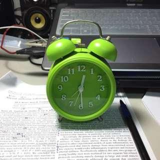 綠色靜音鬧鐘