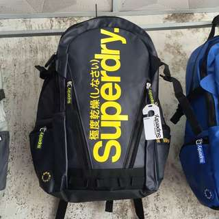 Superdry極度乾燥後背包