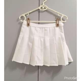白色百折裙