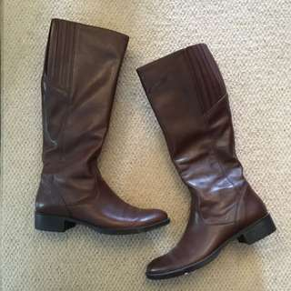 Never Worn Geoff Brown Leather Boots