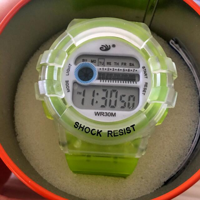 螢光黃運動手錶