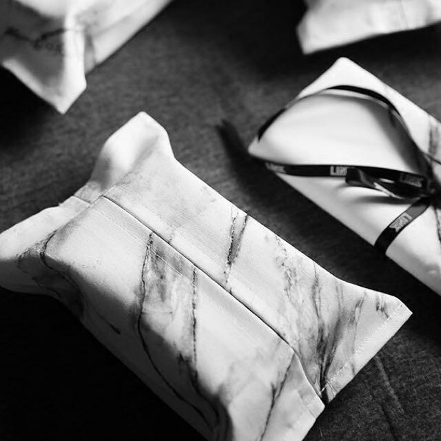 大理石紋北歐簡約風黑白面紙盒 純棉材質。17*26公分 部落客推薦用款 現貨5個