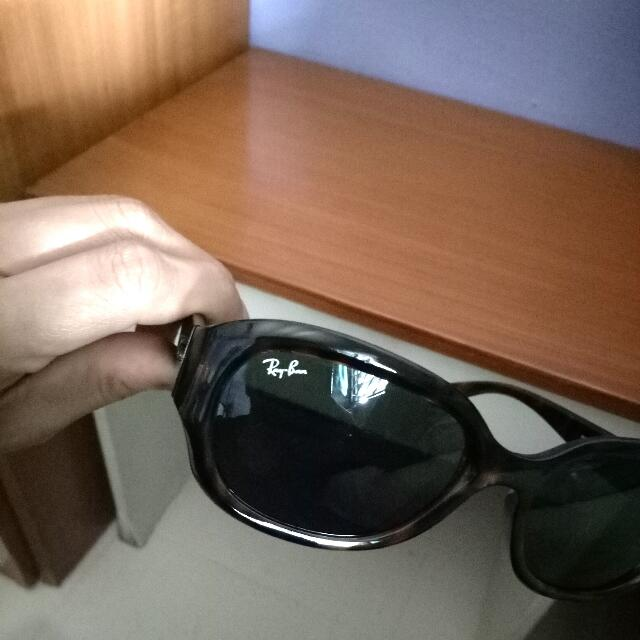 Authentic Ray Ban's Shade