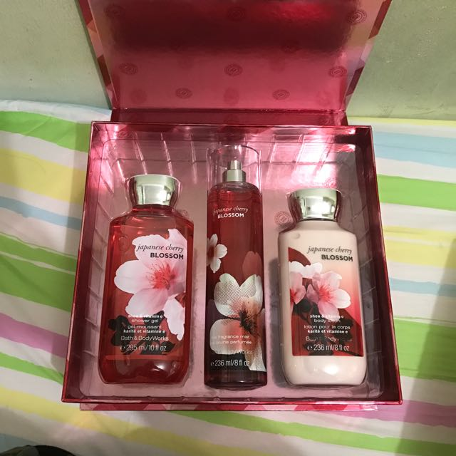 Bath And Body Works Japanesse Cherry Blossom Set