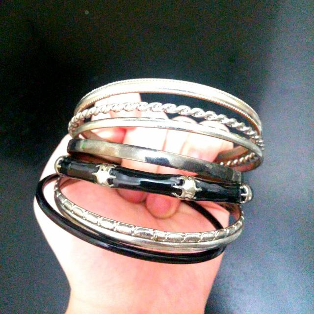 Black & silver 7 Pc. Bangle